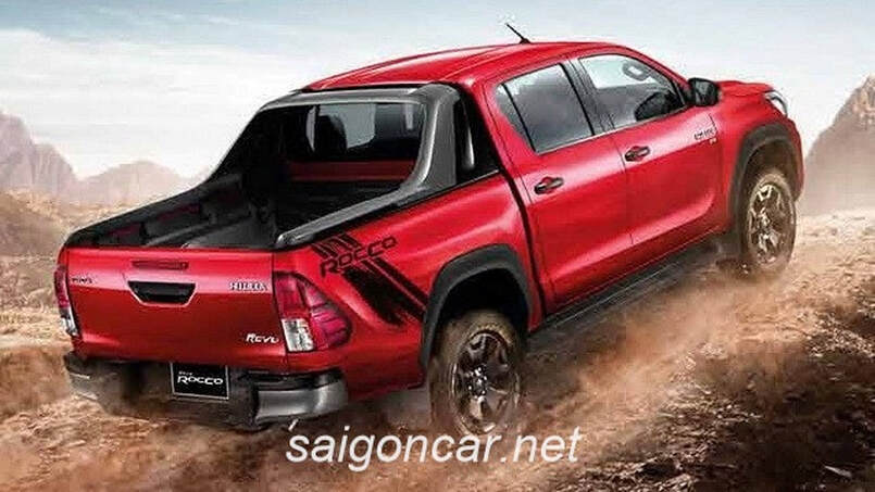 Toyota Hilux 2019 Duoi Xe